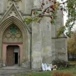 Возле костела Сердца Иисуса в Черновцах презентуют выставку одной картины