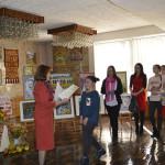 Ко Дню художника в Новоселице открыли выставку Осенний вернисаж