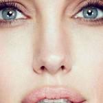 Анджелина Джоли перекрасила волосы в розовый