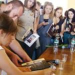 Ирэна Карпа в Черновцах рассказала о новой книге и о том, чего ей больше всего хочется