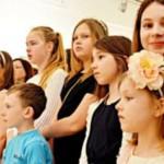 Юный дизайнер презентовал в Вернисаже около 130 работ своих воспитанников