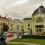 В Черновицком театре – юбилей, Аплодисменты и премьеры